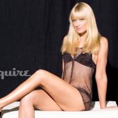 Beth Behrs dessous-legs
