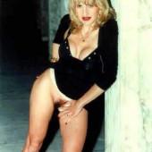 tedeschi topless bruni Valeria