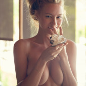 Bryana Holly sexy-topless
