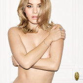 Camille Rowe naked