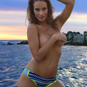 Hannah Davis sports-illustrated
