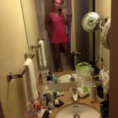 Kelly Felthous no-panty-selfie