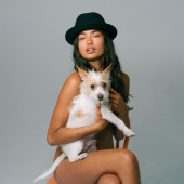 Kelly Gale fully-naked