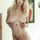 Natasha Legeyda fully-naked