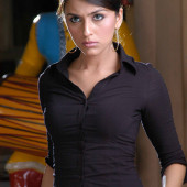 Aarti Chhabria body