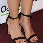 Abby Elliott feet