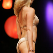 Alana Curry body