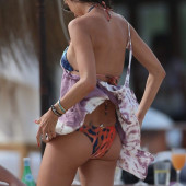 Alessandra Ambrosio ass