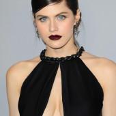 Alexandra Daddario braless