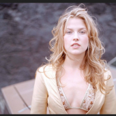 Ali Larter young