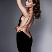 Alicia Vikander body