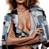 Alina Baikova cleavage