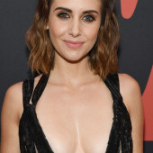 Alison Brie cleavage