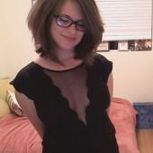 Allie Goertz sexy