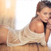 Allie Leggett pantyless