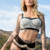 Alysha Nett photos