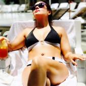 Alyssa Milano bikini