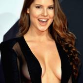Amanda Cerny cleavage