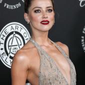 Amber Heard cleavage