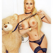 Angel Wicky nude pictures
