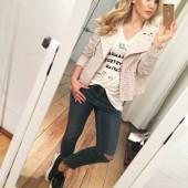 Angelina Heger selfi
