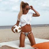 Angelina Heger strand