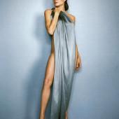 Angelina Jolie nackt