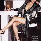 Angie Harmon sexy