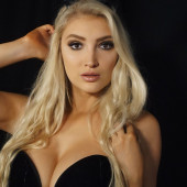 Anna Faith Carlson cleavage