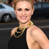 Anna Paquin teeth