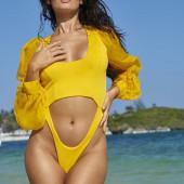 Anne De Paula hot