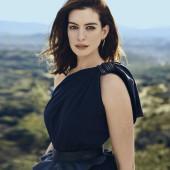 Anne Hathaway body