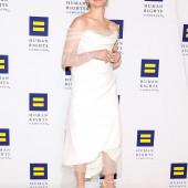 Anne Hathaway braless