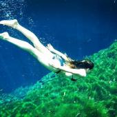 Anne Menden bikini