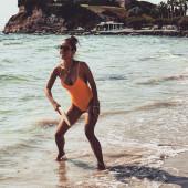 Annemarie Carpendale badeanzug