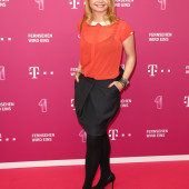 Annette Frier high heels