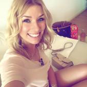 Annica Hansen selfie