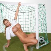 Annina Ucatis naked