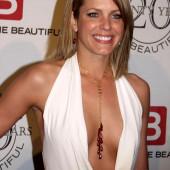 Arianne Zucker cleavage