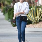 Ariel Winter jeans
