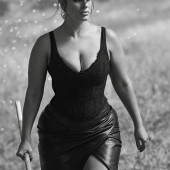 Ashley Graham dekollete