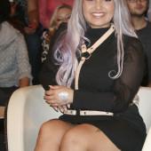 Bahar Kizil sexy minirock