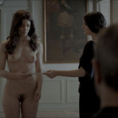 Barbara Lennie nudo
