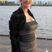Barbara Schoeneberger oben ohne