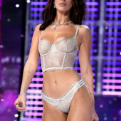 Bella Hadid victorias secret