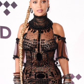 Beyonce Knowles braless