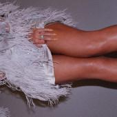 Beyonce Knowles legs