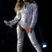 Beyonce Knowles overknees