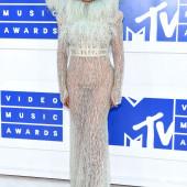 Beyonce Knowles pantyless