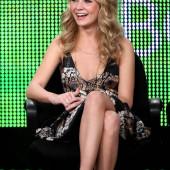 Britt Robertson legs